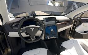 Tesla Model X Picture 1