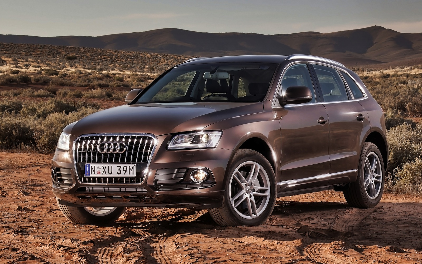 2015 audi q3 a premium compact crossover suv news and analysis. Black Bedroom Furniture Sets. Home Design Ideas