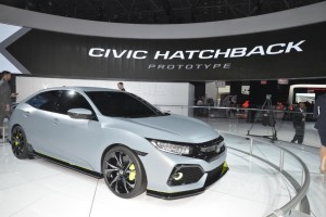 2017 honda civic hatchback (2)