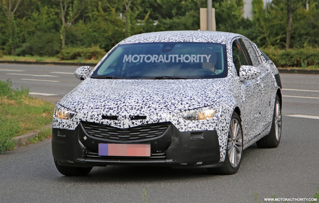 spy shots of 2017 opel insignia released suv news and analysis. Black Bedroom Furniture Sets. Home Design Ideas