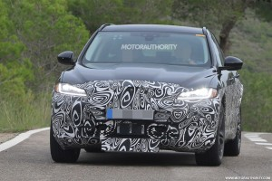 2019-jaguar-i-pace-test-mule-spy-shots-1