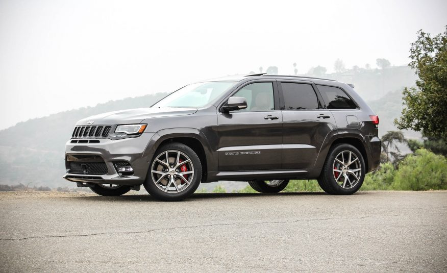4 key features of the 2017 jeep grand cherokee srt suv news and analysis. Black Bedroom Furniture Sets. Home Design Ideas