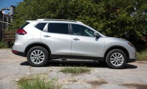 2017 Nissan Rogue Hybrid (24)