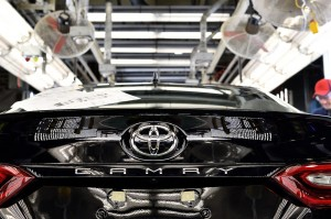 Toyota Camry (2)
