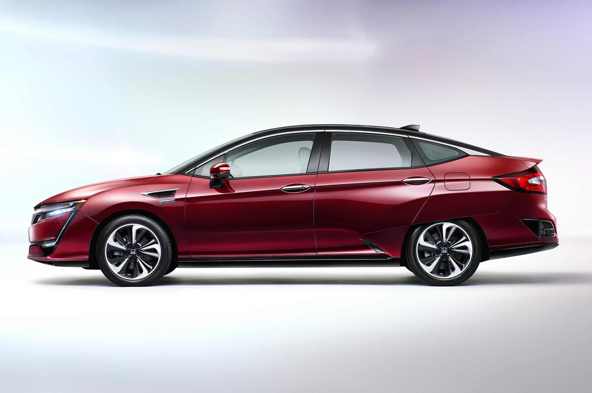 2018 honda clarity plug in hybrid has 47 miles electric range suv news and analysis. Black Bedroom Furniture Sets. Home Design Ideas