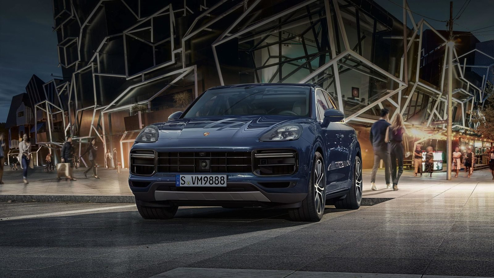 3 amazing features of the 2019 porsche cayenne turbo suv news and analysis. Black Bedroom Furniture Sets. Home Design Ideas