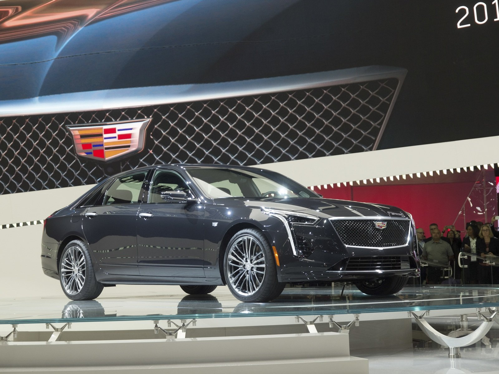 4 important things to know about the 2019 cadillac ct6 v sport suv news and analysis. Black Bedroom Furniture Sets. Home Design Ideas