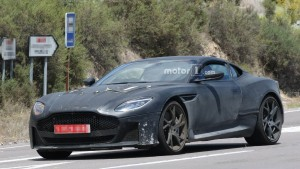 aston martin dbs superleggera (14)