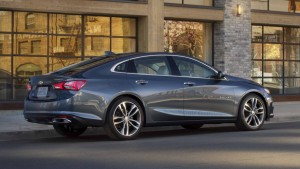 2019 Malibu Premier's new rear valance pushes the dual-exhaust