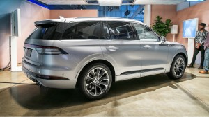 lincoln aviator 2