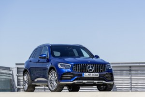 Die neuen Mercedes-AMG GLC 43 4MATIC Modelle: Agiler und markanter: Start frei für die ungleichen ZwillingeThe new Mercedes-AMG GLC 43 4MATIC models: More agile and more distinctive: chocks away for the dynamic duo