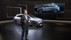 Mehr als ein Off-Roader: Der neue Mercedes-Benz GLA feiert seine digitale Weltpremiere auf Mercedes me media