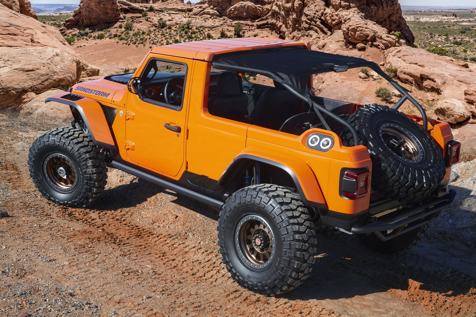 2018 Jeep Sandstorm Will Set Your Racing Hearts Ablaze ...